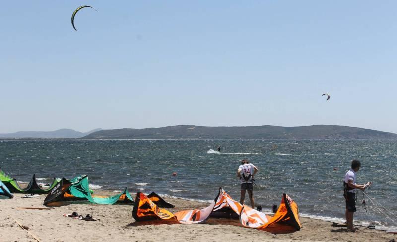 Sardinia Kitesurfing Spots: Kitesurfing Porto Botte, Perfect Kite Spot with Mistral