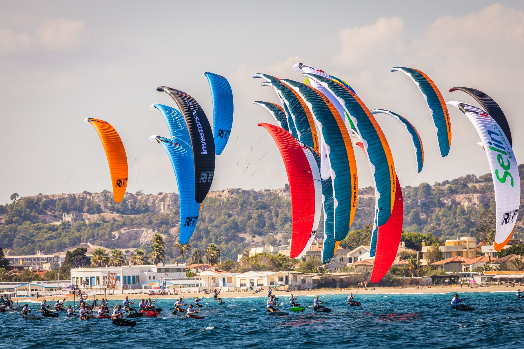 Sardinia Kitesurfing Spots: Kitesurfing Cagliari, Kite Foil World Champioships 2017