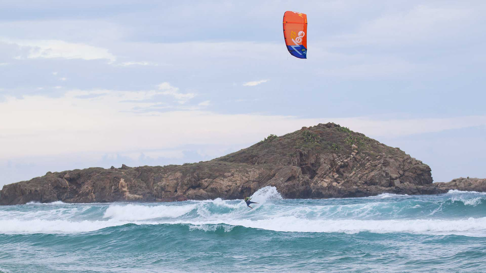 Kitesurfing Chia, Southern Sardinia is a Wave Kite Spot in the Southern Sardinia, suitable just for advanced riders