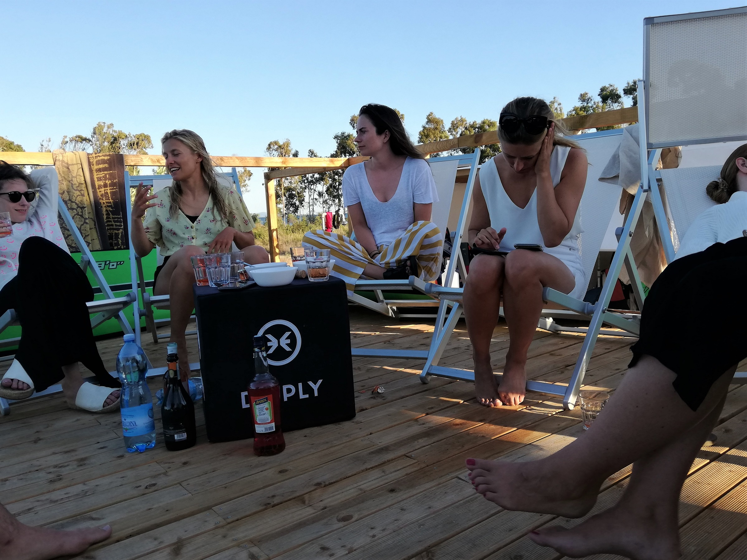 ite Friends relaxing at Punta Trettu in Sardinia, the best Kite spot with Shallow and Flat Water